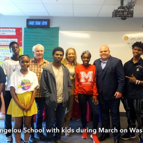 Maya_Angelou_school_w_kids_march_on_Wash